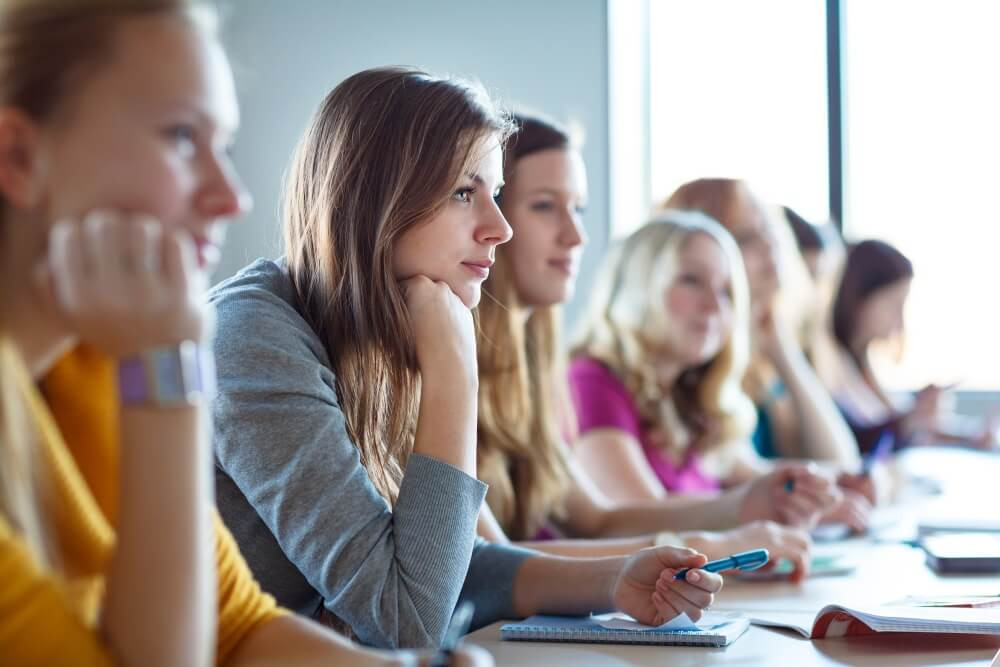 Augstskolas var pieteikties Latvijas Bankas ekonomistu lekcijām