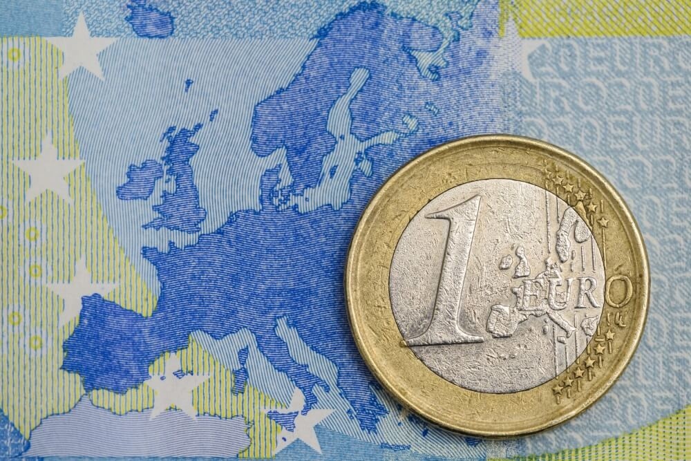 Eiro globālās konkurences griežos