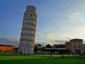 Itālija turpina balansēt uz naža asmens