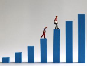 Algu kāpums nozīmē arī inflācijas palielināšanos: ekonometriskās analīzes rezultāti