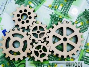 Piemaksa par aizņemšanos – ECB samazina procentu likmes