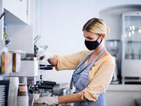 Vīruss turpinājis bremzēt darba samaksas pieaugumu