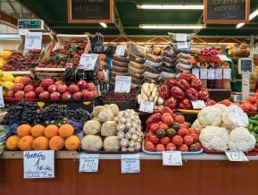 Trīs iemesli, kāpēc pārtikas mazumtirdzniecības cenas aug lēnāk par globālām cenām
